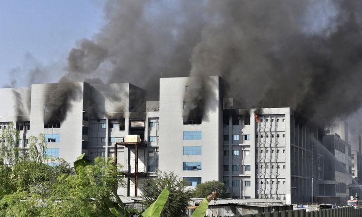 ไฟไหม้อาคารผลิตวัคซีนต้านโควิดในอินเดีย เสียชีวิต 5 ราย