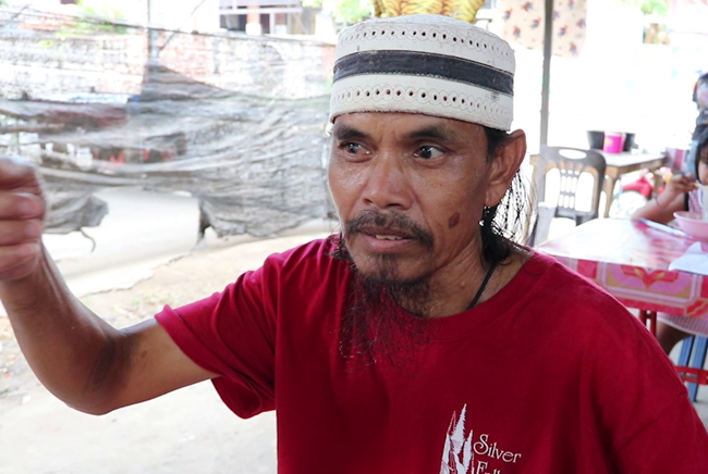 นายสมร สินสิริ อายุ 54 ปี พ่อของทหารเกณฑ์ที่หายตัวไป