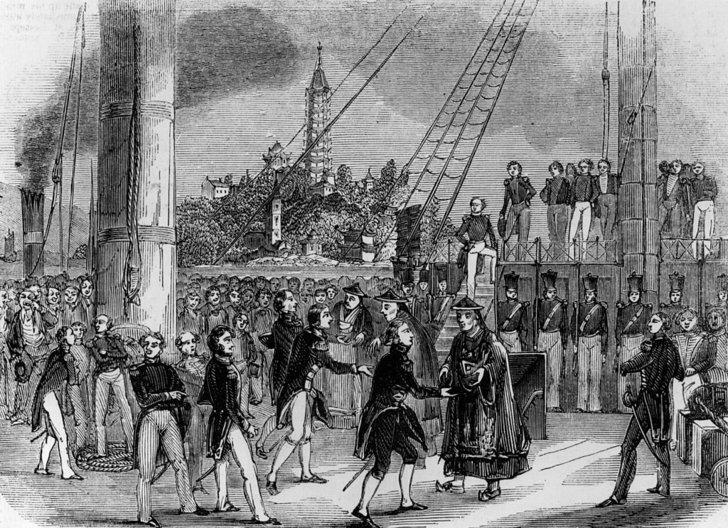 ตัวแทน 3 คนจากราชวงศ์ชิง และกองทัพบริเตน พบปะกันบนเรือรบหลวง เอชเอ็มเอส คอร์นวอลิส ริมแม่น้ำแยงซี เพื่อลงนามสนธิสัญญานานกิง เพื่อยุติสงครามฝิ่นครั้งแรก เมื่อวันที่ 29 ส.ค. 2375