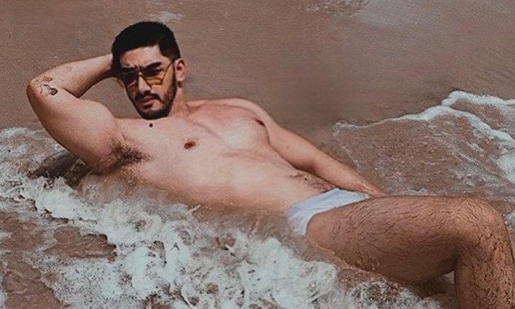 """""""สิงโต เดอะสตาร์"""" นอนแซ่บๆ รับคลื่นริมหาด แผงอกใหญ่มาก! ไม่ต้องเสียเวลาซูม"""