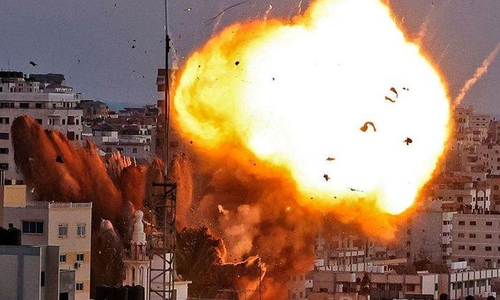 """กองกำลังอิสราเอลถล่ม """"ฉนวนกาซา"""" ตายสะสมอย่างน้อย 132 ศพ"""
