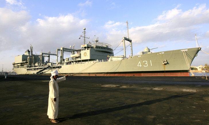 เรือรบลำใหญ่ที่สุดของอิหร่านเกิดไฟไหม้ปริศนา จมในอ่าวโอมาน