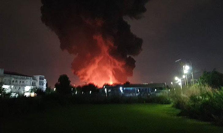 ผู้จัดการโรงงาน เล่านาทีไฟปะทุ เผยก่อนระเบิดมีสารเคมีอันตรายกว่า 1,600 ตัน