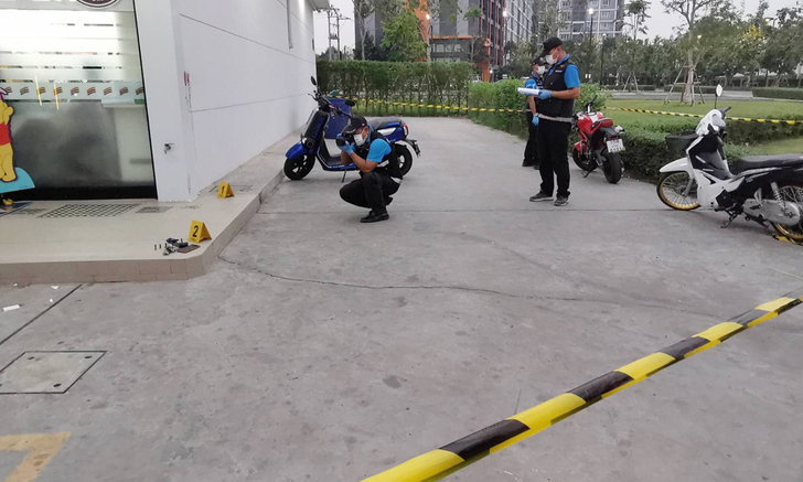 บุรีรัมย์ระทึก! ตำรวจล่อซื้อยาบ้า คนร้ายไหวตัววิ่งหนีผ่ากลางห้างดัง สุดท้ายถูกวิสามัญ