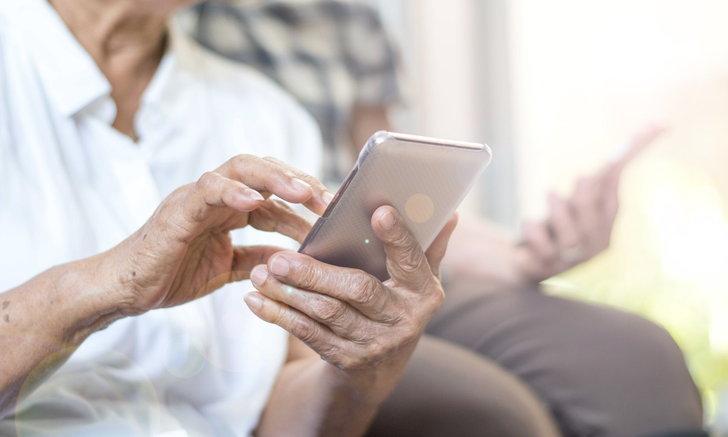 """ผู้เชี่ยวชาญแนะผู้สูงอายุสู้วิกฤต """"ไวรัสโคโรนา"""" ด้วยเทคโนโลยีดิจิทัล"""