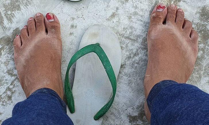 แน็ก ชาลี รีวิวแดดเมืองไทย ร้อนจนเท้าเปลี่ยนสี หันมารับจ็อบโบกรถขน หิน-ดิน-ปูน