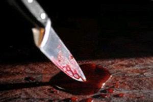 หนุ่มคลั่งปาดคอเสมียนดับก่อนฆ่าตัวตายตาม