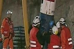 ประมวลภาพ ช่วยคนงานเหมืองชิลี 33 คน
