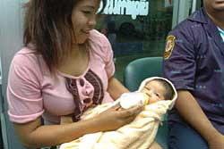 สลด! ทารกหญิง1เดือนถูกแม่ใจยักษ์ทิ้งข้างถนน