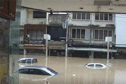 หาดใหญ่วิกฤตรอบ 100 ปี  น้ำทรงตัว ชาวบ้านรอช่วยเหลือ