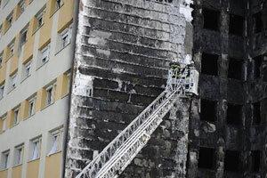 ไฟไหม้อาคารที่พักฝรั่งเศสดับ7เจ็บนับ100