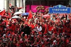 เสื้อแดง ยึดราชประสงค์แล้ว จราจรปิดตาย