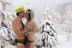 ใส่บิกินี่ฉลองแต่งงาน ท้าความหนาว-30 องศา