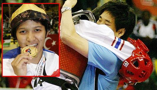 """32ปีที่รอคอย! """"น้องจูน"""" คว้าทองเทควันโลก"""