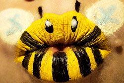 ทึ่ง! สาวมะกันสรรค์สร้าง ศิลปะบนริมฝีปาก