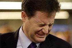"""รองนายกฯอังกฤษ น้ำตาไหลลูกถาม""""ทำไมคนถึงเกลียดพ่อเยอะ"""""""