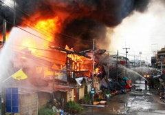 ไฟไหม้ตลาดหันคา 120 ปี วอดสูญร้อยล้าน!