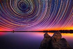 ภาพเส้นทางดาว ในท้องฟ้าออสเตรเลีย
