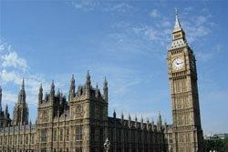 หอนาฬิกาบิ๊กเบน ในอังกฤษ เอียงจนเห็นได้ด้วยตา