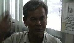 ลุงฮึดสู้โจรกระชากทอง โดดถีบ ล็อกคอลากส่งตำรวจ