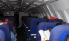 ขนลุก! หญิงสวีเดนถูกบังคับนั่งกับศพ บนเครื่องบิน