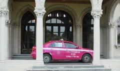 แท็กซี่คลั่งซิ่งฝ่าตร. บุกทำเนียบ บีบแตรลั่นตึกไทยคู่ฟ้า