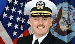 ผบ.เรือดำน้ำสหรัฐกุเรื่องตาย ชิ่งเมียน้อยและลูกในท้อง