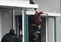 นาทีชีวิต! ช่วยชีวิตสาวจีน กระโดดตึกชั้น32