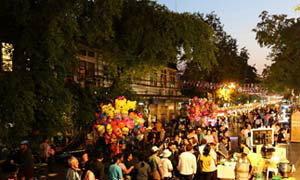ชวนย้อนรำลึกวิถีกรุงเก่า กับบรรยากาศสุดชิล บนถนนพระอาทิตย์ กับเทศกาลรัตนโกสินทร์