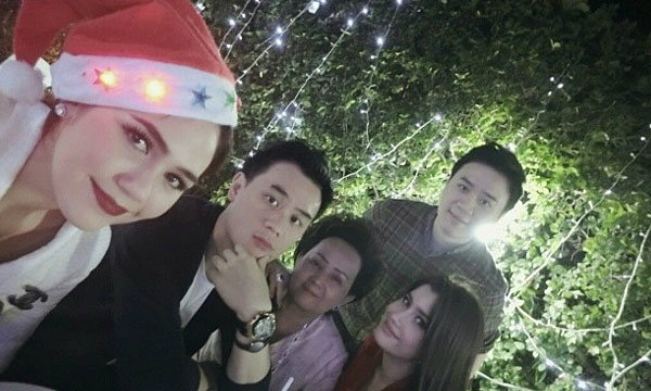 แฮปปี้! ชมพู่ อารยา ปู ไปรยา ปาร์ตี้คริสต์มาสบ้านรังษีสิงห์พิพัฒน์