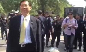 ตำรวจโห่ไล่ กลุ่ม40ส.ว.ลงตรวจสอบพื้นที่ สนามกีฬาไทย-ญี่ปุ่น ดินแดง