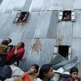 ชาวบ้านบังกลาเทศไร้ที่อยู่ หลังตึก 5 ชั้นถล่มในกรุงธากา
