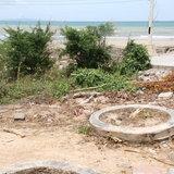 """ไม่เหมือนเดิม!  """"หาดยินยอม"""" ที่เคยสวยงามถูกทิ้งร้างขยะเพียบ นทท. เผ่นหนี"""
