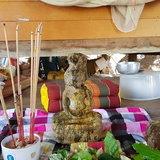 ฮือฮา พบพระพุทธรูปโบราณโผล่จากดิน ชาวบ้านแห่กราบไหว้ ส่องเลขเด็ด