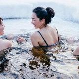 ก็ว่าอยู่คนข้างๆ นุ่น วรนุช ที่เล่นน้ำ ทำไมถึงหน้าคุ้นๆ