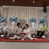 ชมพู่ ก่อนบ่าย แต่งงาน