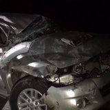 จุดจบไม่คาดเบลท์-กระบะยางแตก คนขับตกใจเหยียบเบรก ร่างปลิวตกรถเสียชีวิต