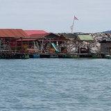 """ส่งแรงกระเพื่อมจาก """"เกาะจิก"""" สู่ """"บ้านเพ"""" ชาวบ้านแฉสร้างที่พักกลางทะเล"""
