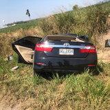 หลับไม่ตื่น-โชเฟอร์รถตู้หลับในพุ่งข้ามเลนชนรถเก๋งคัมรี่ ดับอนาถ 3 ศพ