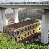 คฤหาสน์ใต้สะพานแม่น้ำแยงซี