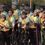 พระองค์หญิงสิริวัณณวรีฯ ทรงฉายพระรูปร่วมกับขบวนปั่น BikeForDad