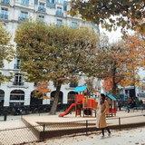 สนามเด็กเล่นที่ฝรั่งเศส