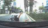 ภาพมันฟ้อง เบนซ์ชนจยย.สาว 16 กระเด็น คนขับพ้นผิดเพราะกล้องหน้ารถ