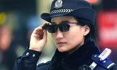 """ล้ำได้อีก ตำรวจจีนเปิดตัว """"แว่นอัจฉริยะ"""" วิเคราะห์ใบหน้าคนร้ายได้"""