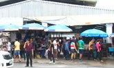 ตลาดรอบหมู่บ้านเสรีวิลล่าทั้ง 5 แห่ง ยังเปิดขายปกติ