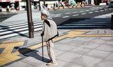 """ผู้สูงวัยชาวญี่ปุ่น """"อยากเข้าคุก"""" เพราะความเหงา-ต้องการคนดูแล"""