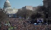 คนอเมริกันนับแสน เดินขบวน March For Our Lives ต้านกฎหมายซื้อปืน