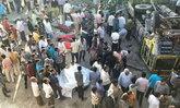 รถบรรทุกแขกไปงานแต่งดิ่งสะพานสูงที่อินเดีย ตายหมู่ 28 ศพ
