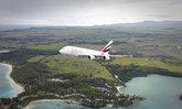 """ภาพสวยไม่ห่วงชีวิตใคร โลกด่า """"โดรน"""" บินเฉียดเครื่องบิน A380 ไปนิดเดียว"""