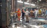 """ไฟไหม้โรงงาน """"เฟอร์นิเจอร์ไม้ยางพารา"""" คาดไฟฟ้าลัดวงจร โชคดีไร้คนเจ็บ"""